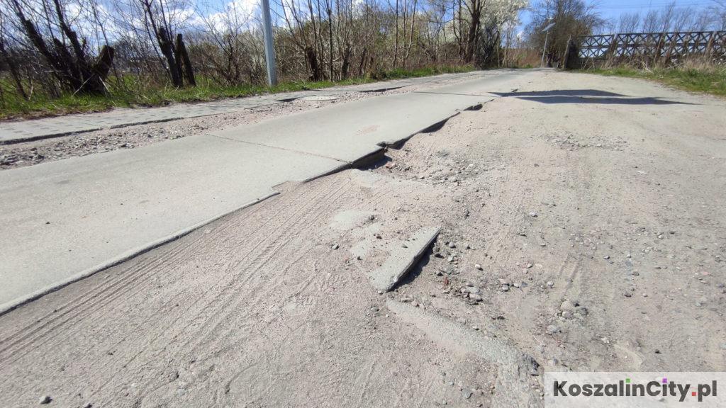 Dziurawa droga w Koszalinie