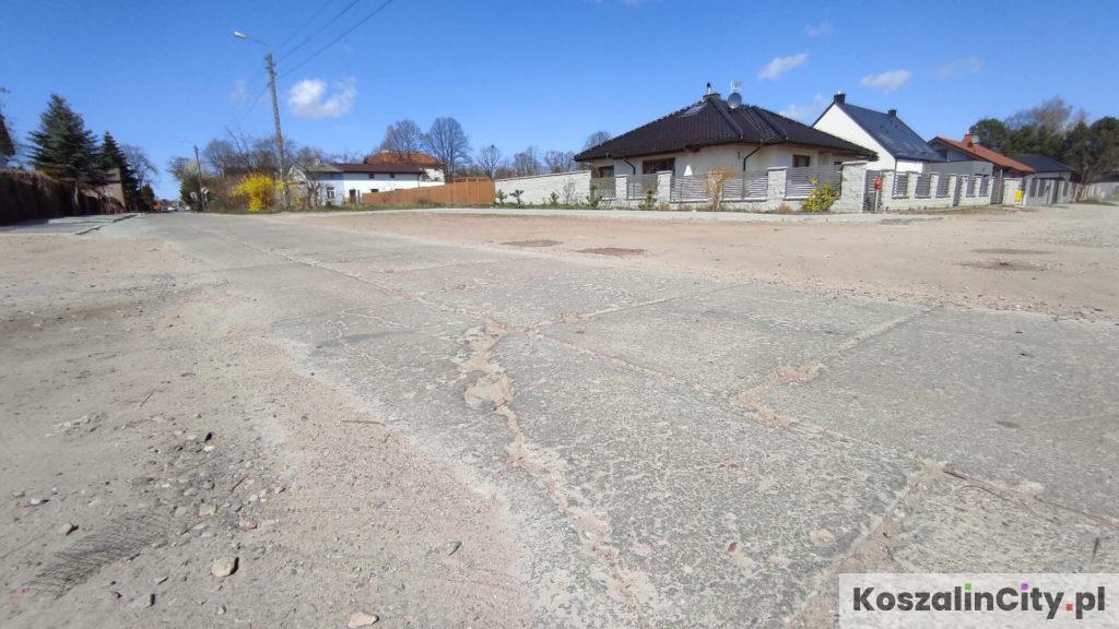 Ulica z płyt betonowych na Rokosowie w Koszalinie