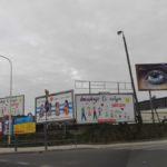 Banery reklamowe przy dworcu PKS w Koszalinie