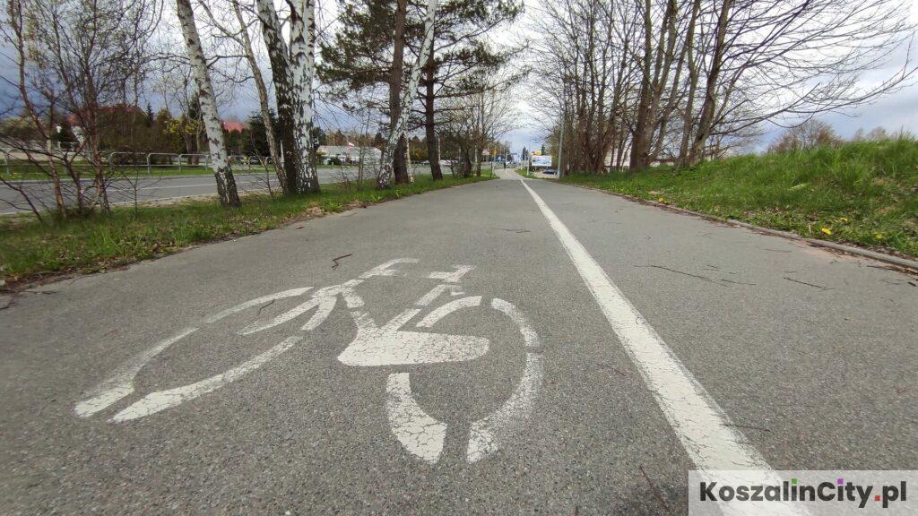 Asfaltowa ścieżka rowerowa w Koszalinie