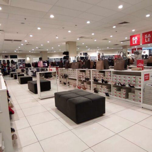 Sklepy CCC w Koszalinie – gdzie są zlokalizowane popularne sklepy obuwnicze?