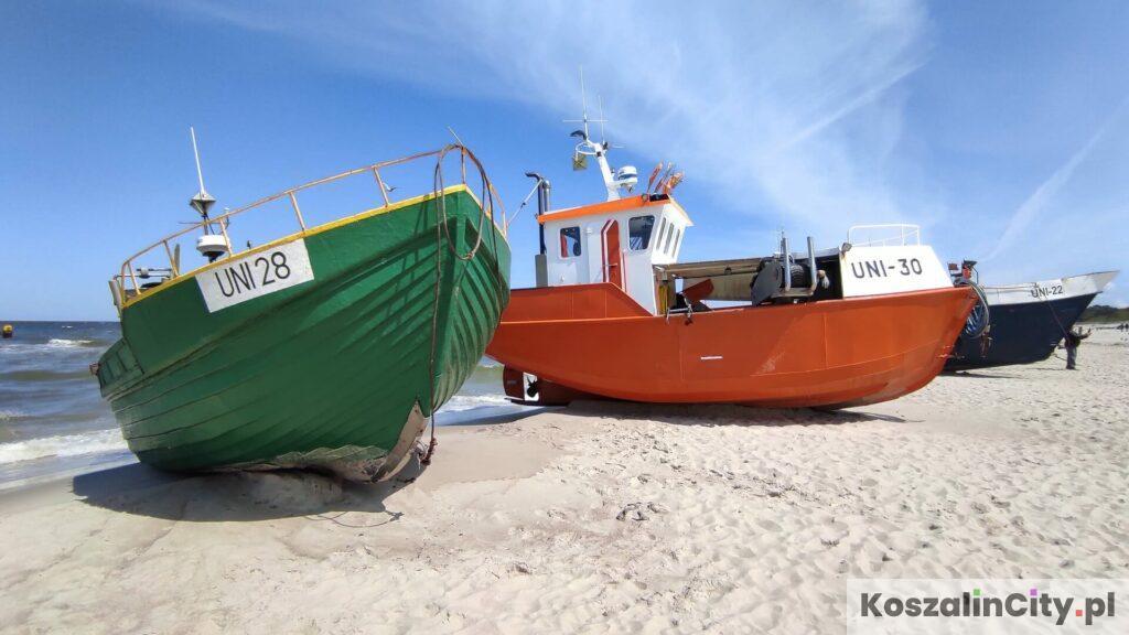 Kutry w przystani rybackiej w Unieściu